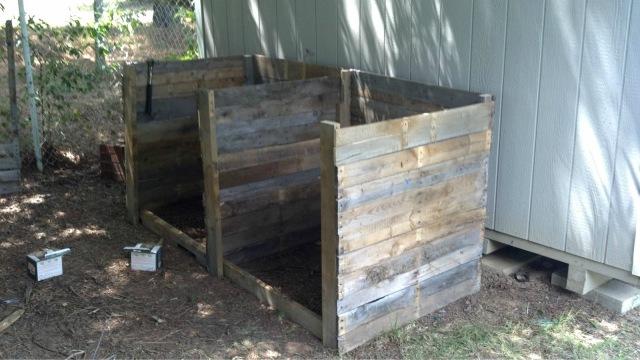 Wooden Pallet 2 Compartment Compost Bin