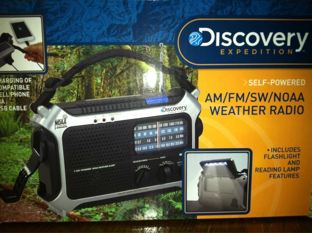 Discovery Expedition D105X AM/FM/SW/NOAA Weather Radio - 5-Way Powered Flashlight USB Port